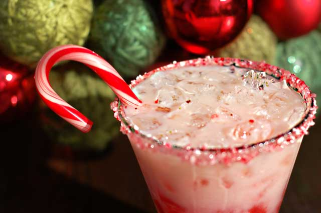 Santa's Mixed Christmas Drink Recipes From Around The World 5